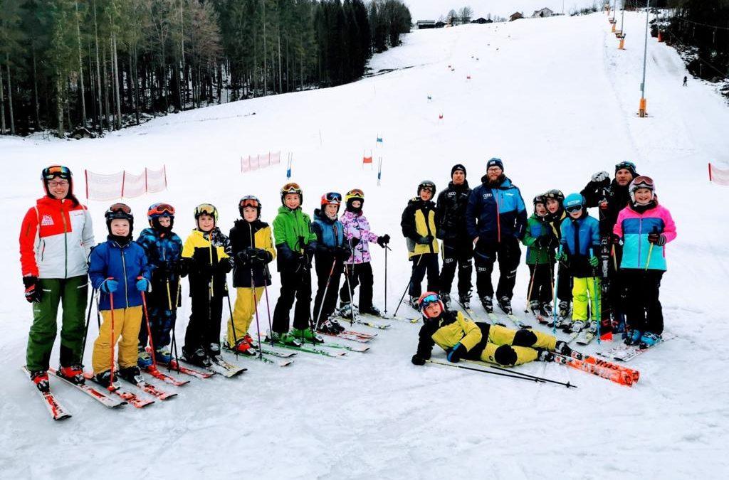 Schüler der SAG-Ski trainieren mit den Profis aus dem Skiverband Bayerwald